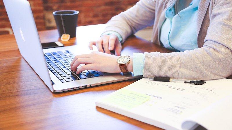 H&R helpt 20 leerlingen aan laptops voor thuisonderwijs